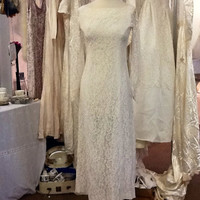 Beautiful Vintage 50's - 60's Lace Column Wedding Dress with Bow detail