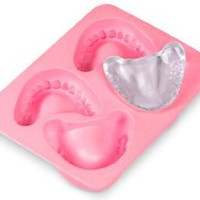 Fred Frozen Smiles Ice Cube Tray: Kitchen &amp; Dining