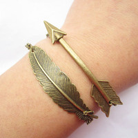 Combination braceletantique bronze arrow and feather by lightenme