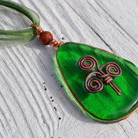 Irish copper inlay emerald green celtic design by GeckoGlassDesign