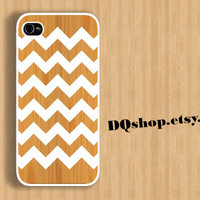Chevron Wood Style  -  iPhone 4 iPhone 5 Case