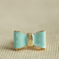 très jolie bow ring in mint at ShopRuche.com