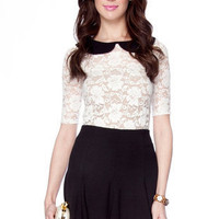 Petra Collar Lace Top in Ivory :: tobi