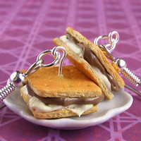 Food Jewelry - Ooey-Gooey Campfire S'mores Earrings