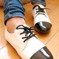 Ladies Unique Vintage Flat Heel Lace Up Shoes In WHITE from NaomiShu