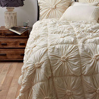 Anthropologie - Rosette Quilt
