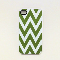 Iphone 4 Case  Green Chevron Design Iphone Case for by fundakcases