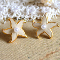 Nude starfish earrings petit elegant 14k gold coated by iloniti