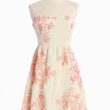 Sweet Romance Embroidered Dress | Modern Vintage Dresses