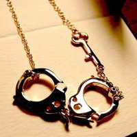 Interesting handcuffs necklace