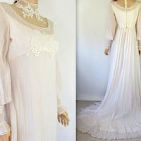 Vintage Ivory Wedding Dress / White 60&#x27;s 70&#x27;s Wedding Dress Empire Waist Wedding Dress Lace Dress Boho Hippie Wedding Dress Victorian