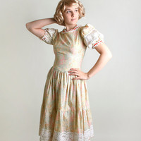 Vintage Prairie Dress - Floral Print in Buttercup Cream and Salmon Pink - Small to Medium