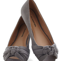 Simple Twist of Fate Flat in Slate | Mod Retro Vintage Flats | ModCloth.com
