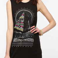 Corner Shop Patterned Pyramid Muscle Tee