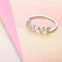 Love Initialed Ring  Silver // R0003SV // Everyday by queenspark
