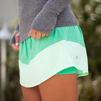 run: breeze by skirt | women&#x27;s skirts | lululemon athletica