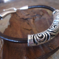 SPIRAL BRACELET in DARK Leather & hook closure by AsaiBolivien $10,90