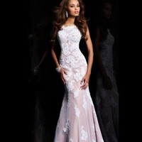 Bateau Floor-length Trumpet _ Mermaid Backless Lace White Evening Dresses