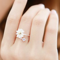 Modern Cute Adjustable Daisy Flower Ring - Rings
