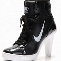 women nike dunks mid heels boots black and white low price