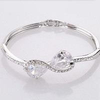 elegant bowknot hollow outrhinestone bracelet