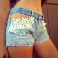 Levi's high waist white lace deim shorts by Jeansonly