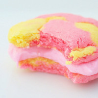Sunny Strawberry Lemonade Cookie-Wiches -1 Dozen