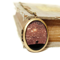 Love Under The Stars - Lovers Under A Starry Sky - Grande Photo Locket Necklace