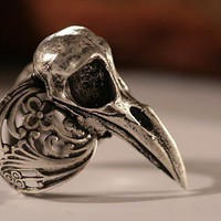Raven skull ring in antique silver,  silver bird skull ring self adjustable Sizes 4 to 11 (Made in NYC)