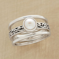 SCROLLED PEARL RING TRIO