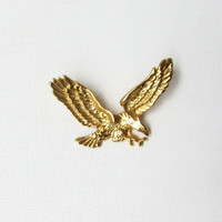 Vintage gold tone American bald eagle brooch pin