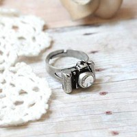 click, click pewter camera ring 