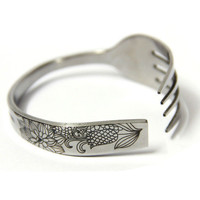 Handmade Carved Cornflower Fork-shaped Bracelet from GeekFun