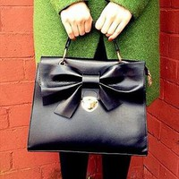 NEW IN Vintage Bow Black Lady Handbag  from trendypanda