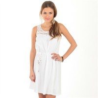 Robe blanche haut en macramé  - Collection Robes courtes - Pimkie France