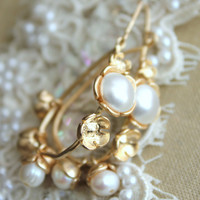 Pearls and gold earrings,bridas jewelry- 14k gold plated,gold filled earrings with freshwater r and Swarovski pearls.