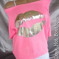 NWT BRIGHT NEON PINK KISS LIPS SLOUCHY OFF SHOULDER SWEATSHIRT SHIRT TOP L