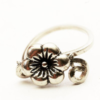 Vintage Flower Estate Sterling Silver Floral Criss Cross Band Ring, Size 6.5 (V436)
