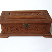 Vintage retro hand ornate carved birds Indian sandalwood trinket box