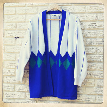 Vintage Cardigan Sweater Argyle print Blue and White. Size Medium