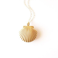 Gold Shell Locket Gold Shell Necklace Seashell Locket Seashell Necklace Sea Shell Locket Sea Shell Necklace Mermaid Locket Mermaid Necklace
