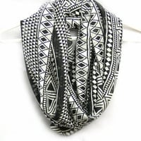 White And Black  Infinity Scarf. Circle scarf. Loop Scarf. Women Accessories