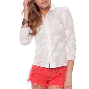 Franny Embroidered Top in White :: tobi