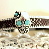 Skull Leather Bracelet mint Rhinestones and turquoise.