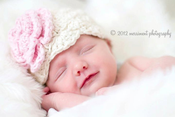 Shell-stitch Crochet Baby Hat  by GiggledPink