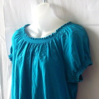 Peter Nygard Petites large short-sleeved blue top with embroidery and beads