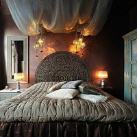 Romantic Canopied Bedroom