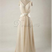 [125.99] Elegant Chiffon  & Charmeuse V-neck Natural Waist Ruched Wedding Dress - Dressilyme.com
