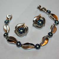 Vintage Bracelet Trifari Blue Rhinestone Flower Earring Set 1970s Jewelry