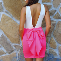 Better With Bows Dress: Neon Pink/ White | Hope&#x27;s
